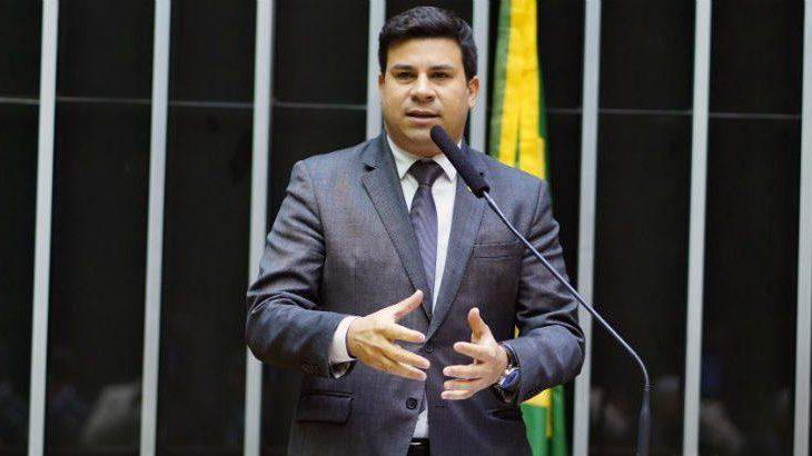 Projeto de lei de Carlos Veras tenta impedir privatizações do Serpro e da Dataprev