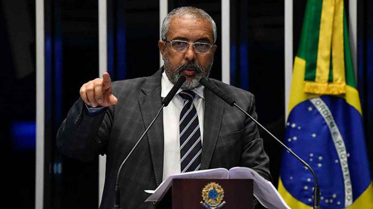 """Senador Paim sobre a MP 905: """"O Brasil é uma senzala?"""""""