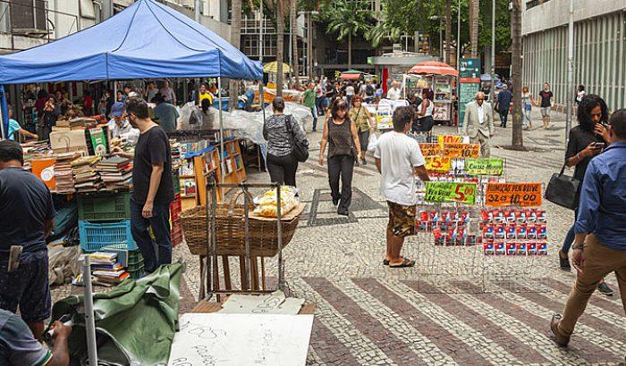 Carteira Verde e Amarela é ruim para o Brasil porque reduz renda e consumo